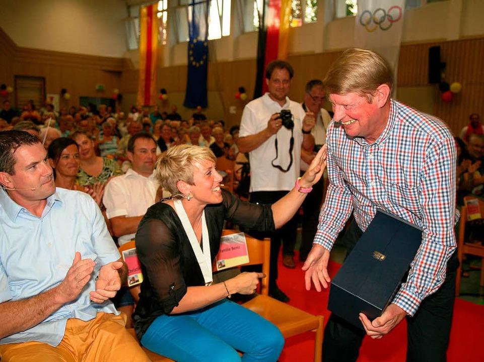 Obergföll mit ihrem Partner und aktuel...d dem früheren Trainer Werner Daniels.    Foto: Sandra Decoux-Kone