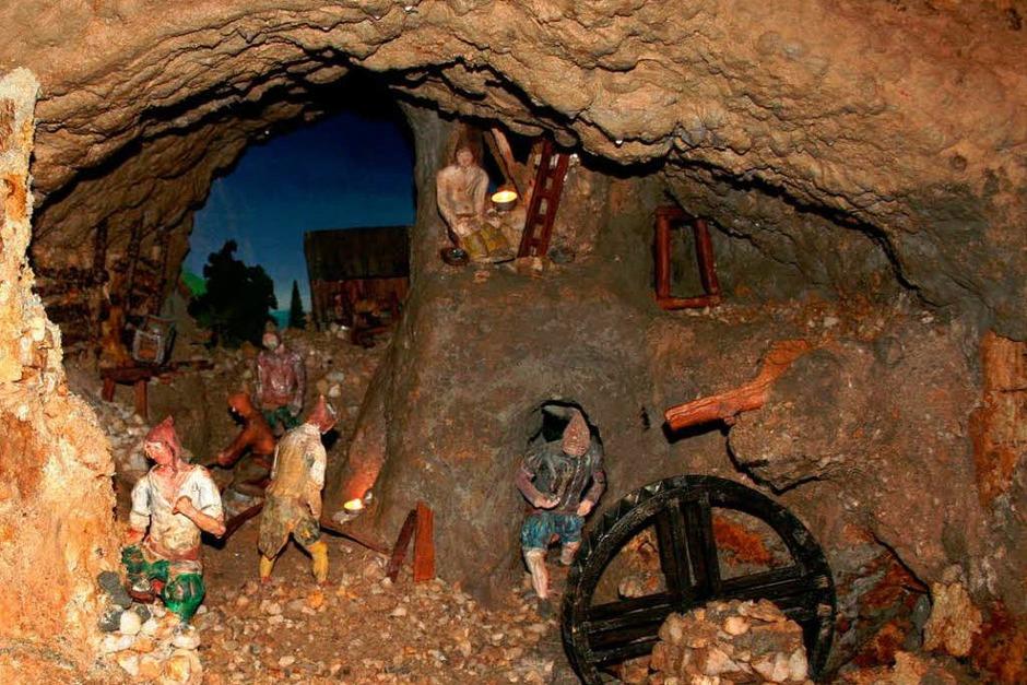 Im St. Anna Stollen haben die ehrenamtlichen Suggentäler Bergleute einen mittelalterlicher Übertage-Bergbau nachgebaut. (Foto: Karin Heiß)