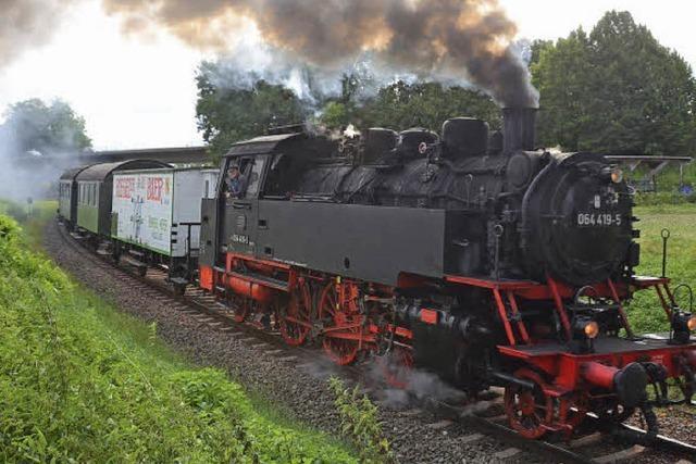 Unter Dampf am Kaiserstuhl entlang