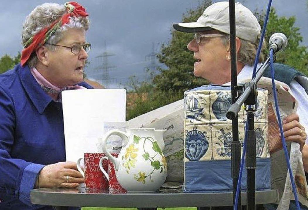 Karli und seine Frau beim Morgenkaffee...rhielt die  Muettersproch-Gsellschaft.  | Foto: Tanja Oldenburg