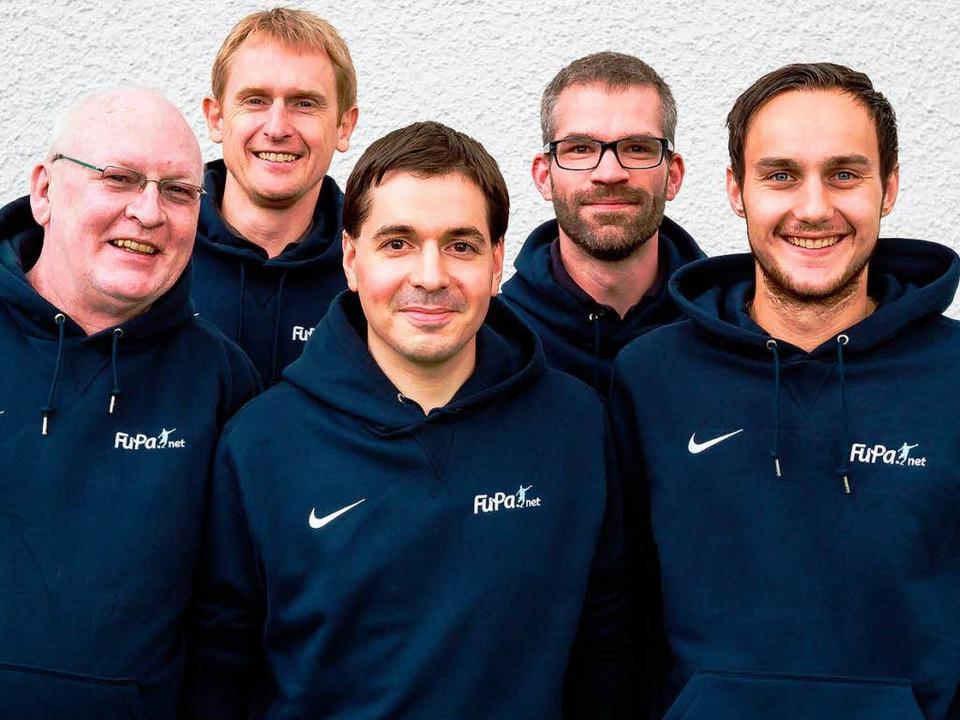 Ein Teil des FuPa-Teams der BZ (von li...ok, Benedikt Hecht und Hanno Förtner.   | Foto: Huber