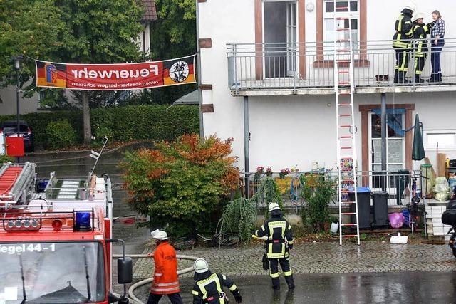 Feuerwehr trotzt dem Regen