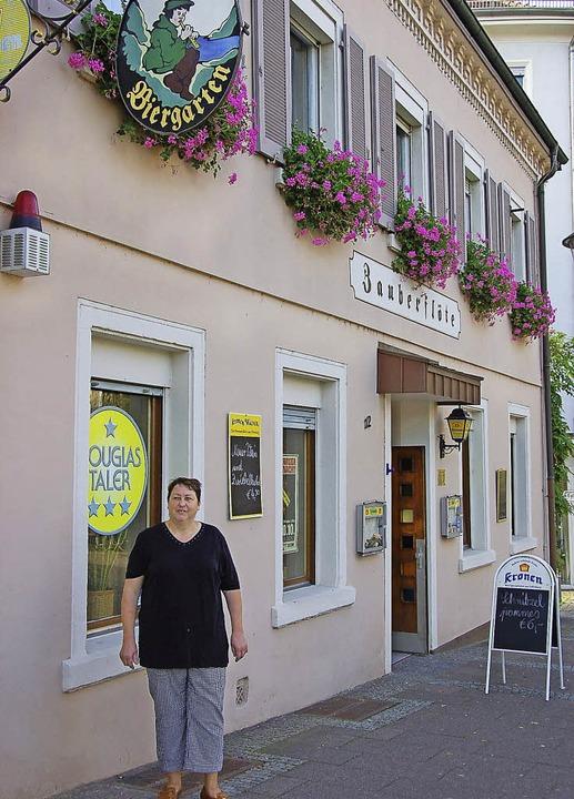 35 Jahre lang war Anni Wagemann  Wirti...uf. Nachfolger wird Willi Schöllmann.   | Foto: RAB