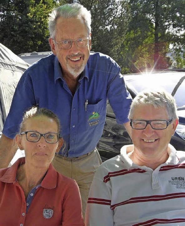 Marijke und Albert  Basten aus Holland  mit Campingplatzpächter Günter Ziegler     Foto: Markus Donner