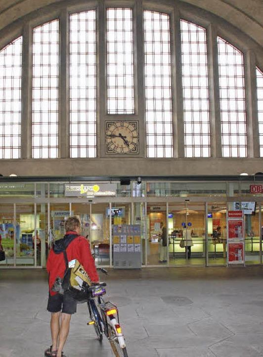 Die Bahnhofshalle   | Foto: Tolsdorf