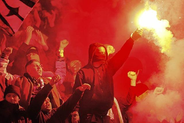 Die Fußballvereine haben das Hausrecht
