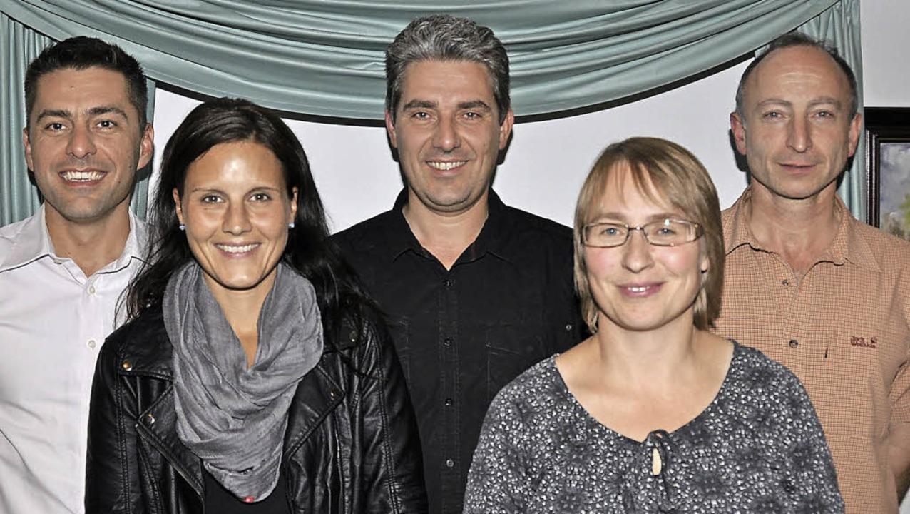 Bernd Jägle (MV Bergalingen) wurde als...usbildung ihrer Zöglinge (von links) .    Foto: kirsten lux
