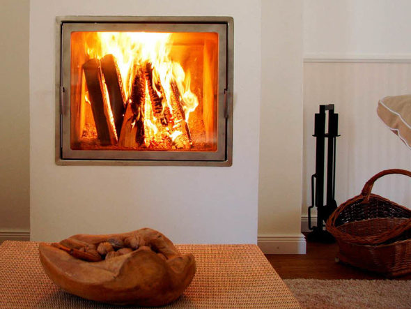 haus garten alternative zur lheizung zentral fen w rme aus dem wald badische. Black Bedroom Furniture Sets. Home Design Ideas
