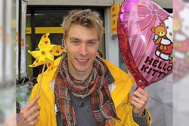 Rosa Luftballons und Wildschweinsalami
