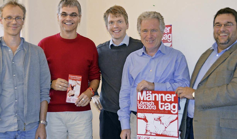 Stefan Günter, Ralf Ochs, Franz-Josef ...on links)  organisieren den Männertag.    Foto: Vogt