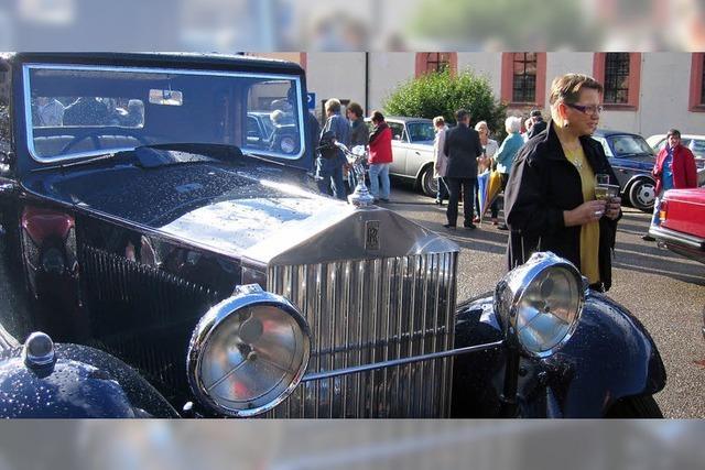 Zahlreiche Rolls Royce