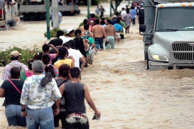 Unwetter in Mexiko – 40.000 Touristen sitzen fest
