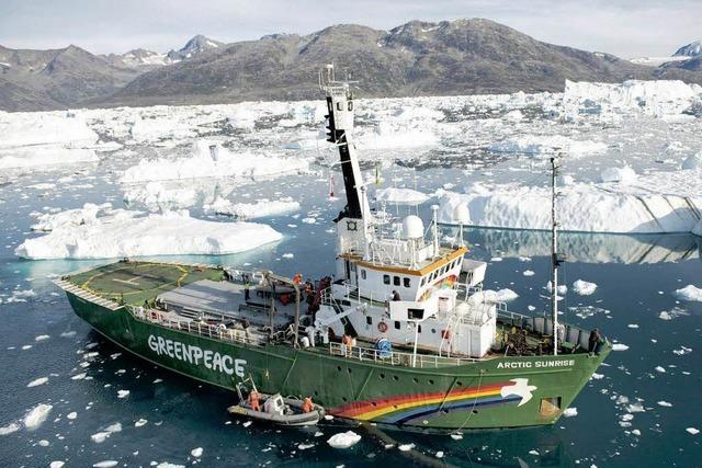 Greenpeace: Russische Küstenwache stürmt Schiff in der Arktis