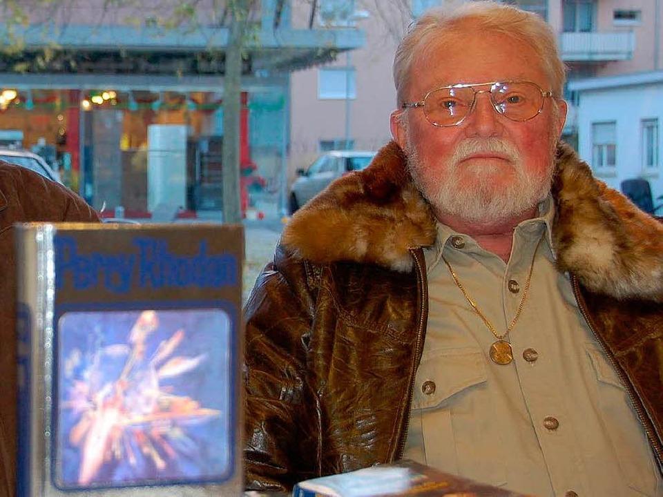 H.G. Ewers bei einer Buchvorstellung im Jahr 2007.  | Foto: Adrian Steineck