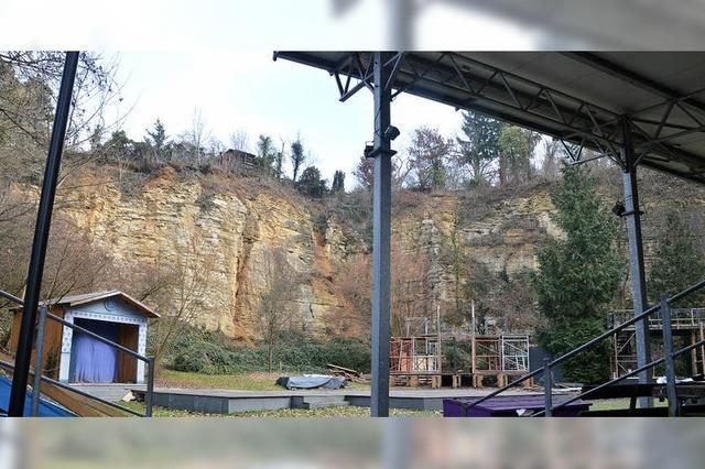 Neue Tribüne fürs Theater im Steinbruch?