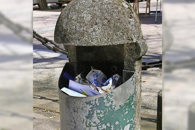 Konzept für Abfalleimer und Pflanzkübel