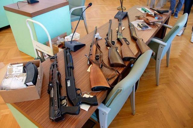 Western-Fan hortet illegale Waffen – Bewährungsstrafe