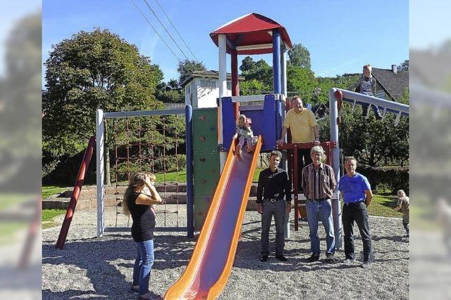 Spielplatz total renoviert