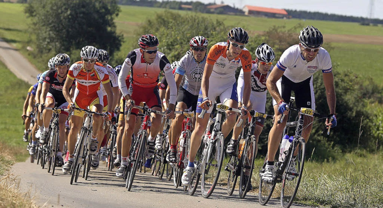 Attacke auf der Baar. Wie Profis fühle...drei Riderman-Rennen in Bad Dürrheim.     Foto: dieter reinhardt