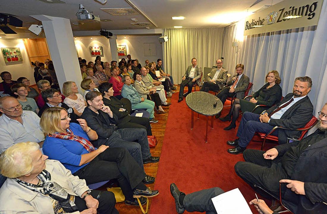 Heiß diskutiert wurde auf dem Podium im BZ-Haus  | Foto: bamberger