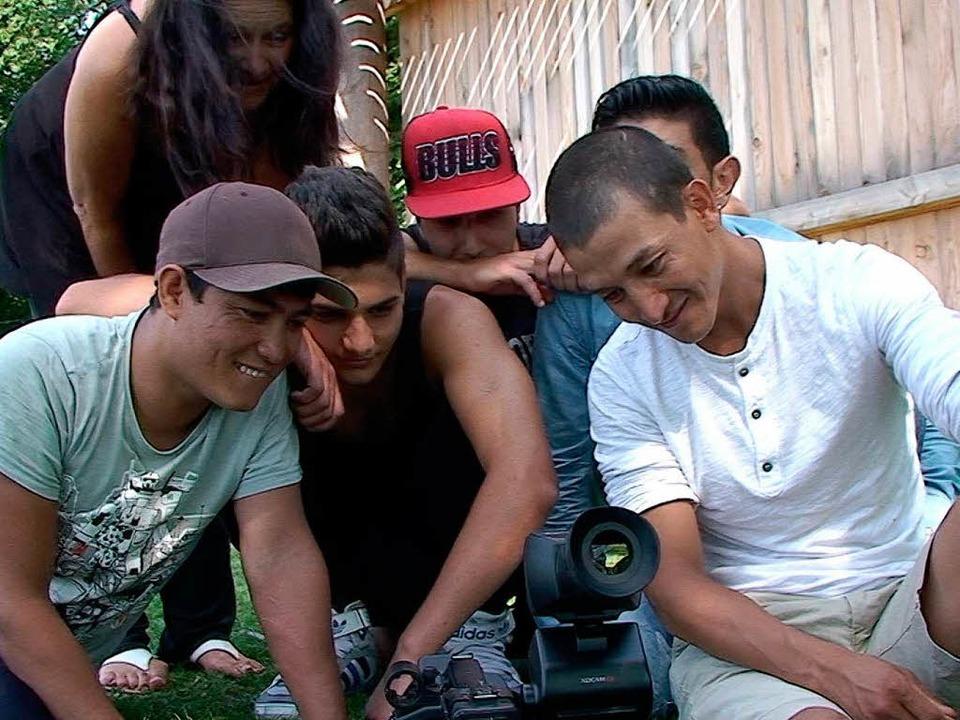 Jugendliche Flüchtlinge, die das Chris...isse und ihre Aufnahme in Deutschland.    Foto: privat