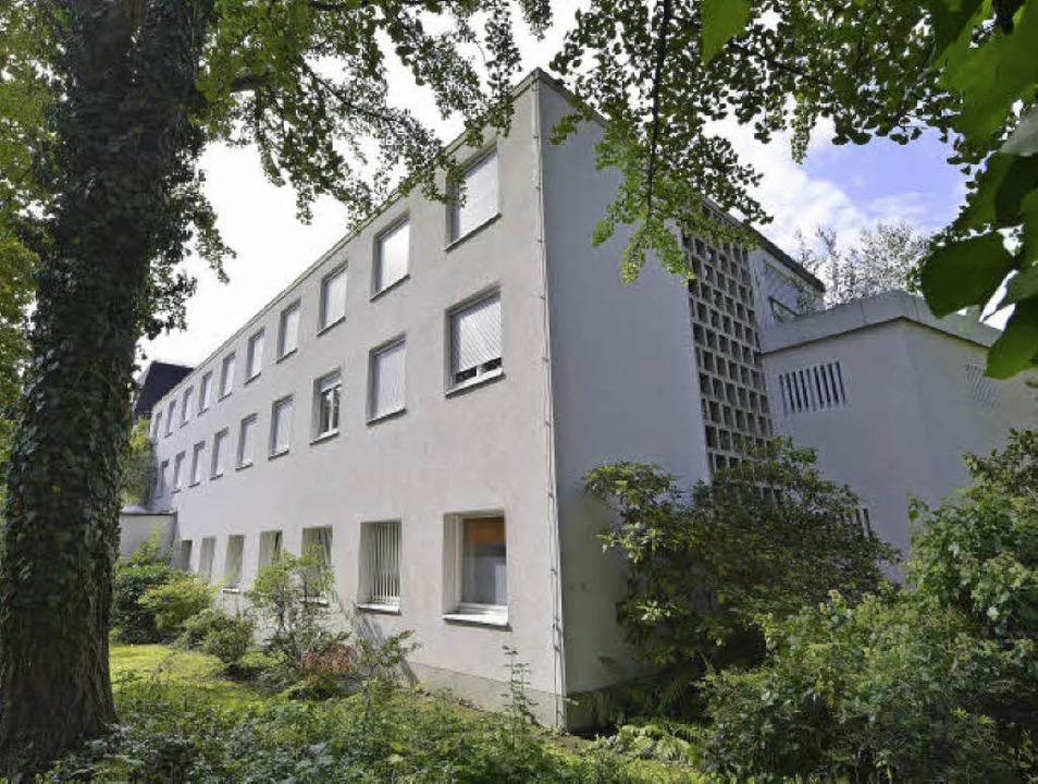 Aus dem Jahr 1965 stammt das Adelheid-...r Wiehre, das abgerissen werden soll.   | Foto: Michael Bamberger