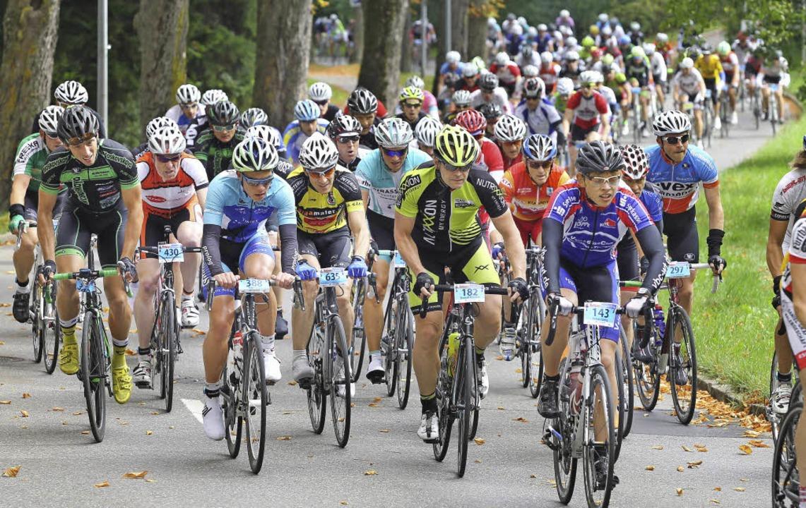 Dicht an dicht, Rad an Rad: Beim Einze... bis Sonntag insgesamt 1800 Starter.    | Foto: roger Müller