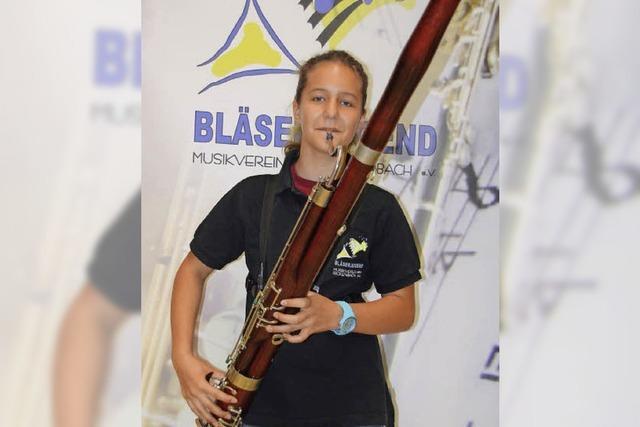 Die Zwölfjährige Salome Barth aus Rickenbach spielt das seltene Fagott