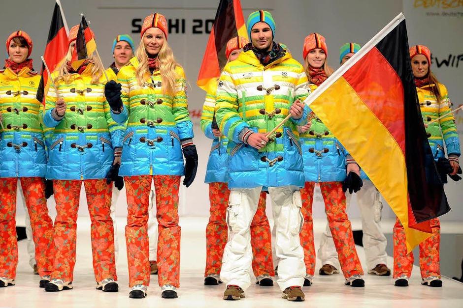 In Düsseldorf wurde die schrillen Kleidung für das russische Wintersportspektakel vom 7. bis 23. Februar 2014 präsentiert. (Foto: dpa)