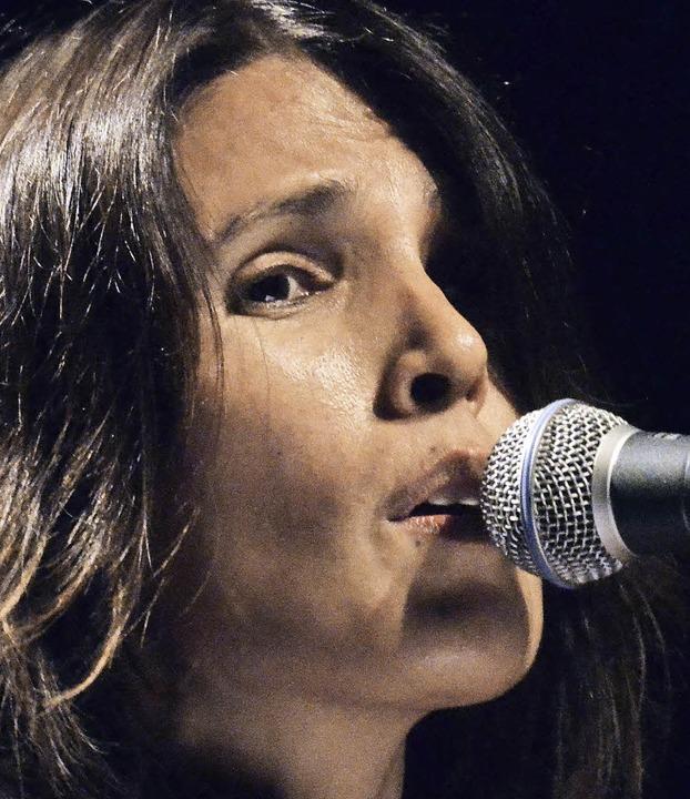 Tanita Tikaram im Burghof   | Foto: Barbara Ruda