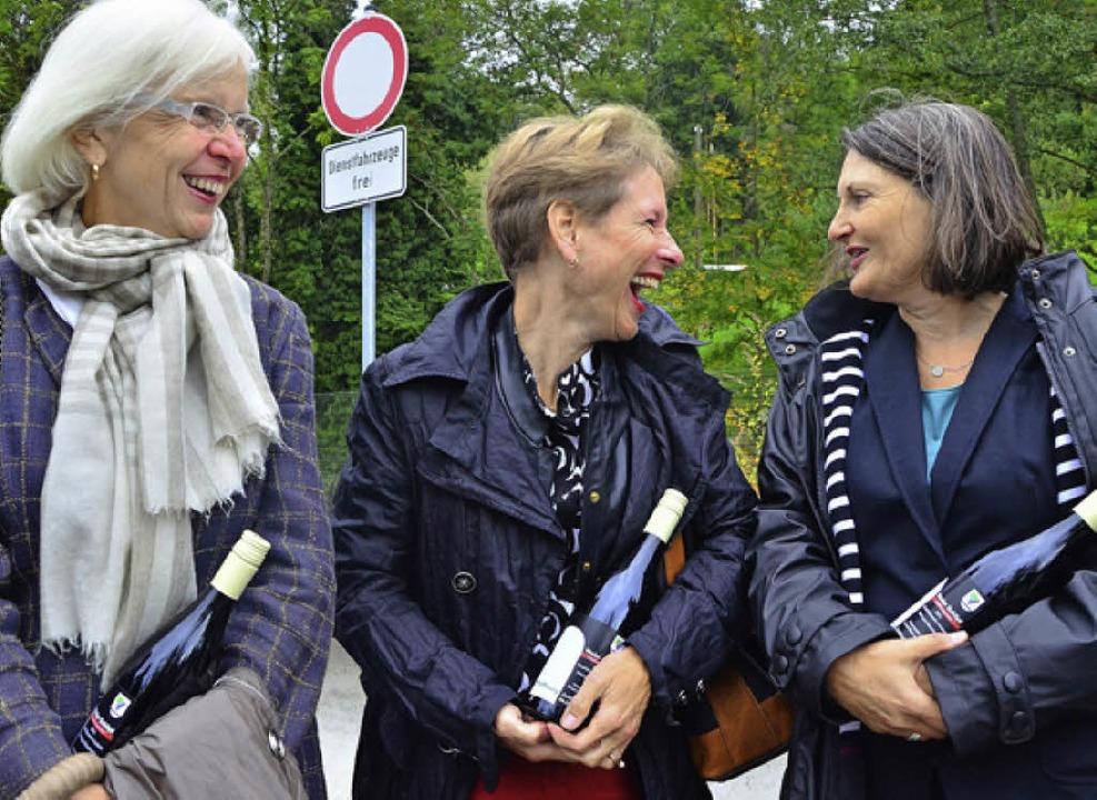 Gut gelaunt: OB Heute-Bluhm, Landrätin Dammann und Regierungspräsidentin Schäfer  | Foto: Barbara Ruda