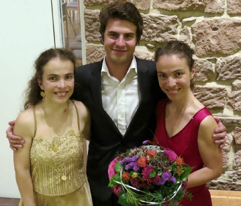 Katharina, Gabriel und Tatjana Uhde nach dem Konzert    Foto: Georg Voß