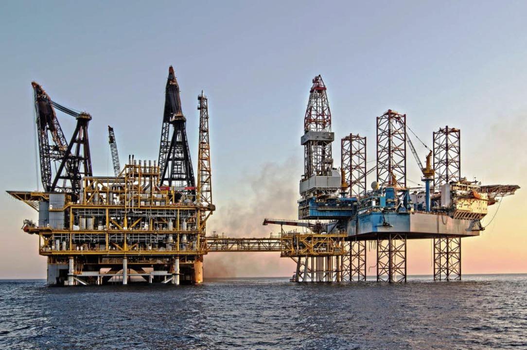 Auf der Gasplattform vor der Küste ruht die Arbeit nun erst einmal.   | Foto: dpa