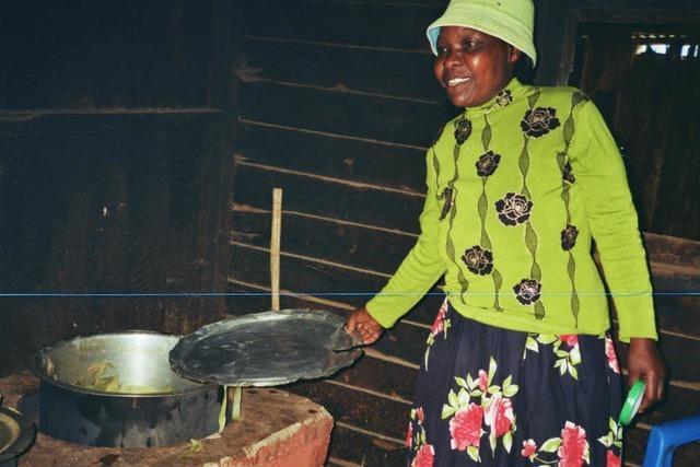 Energiesparende Herde sind eine Seite der Energiewende in Kenia