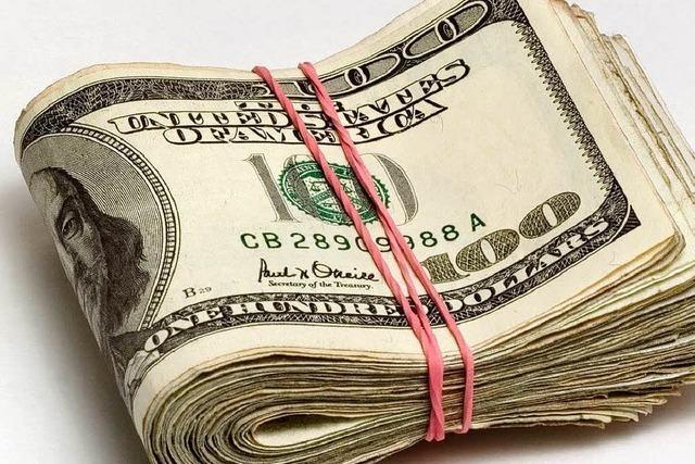 Kellnerin erhält Lottolos als Trinkgeld und gewinnt 17.500 Dollar