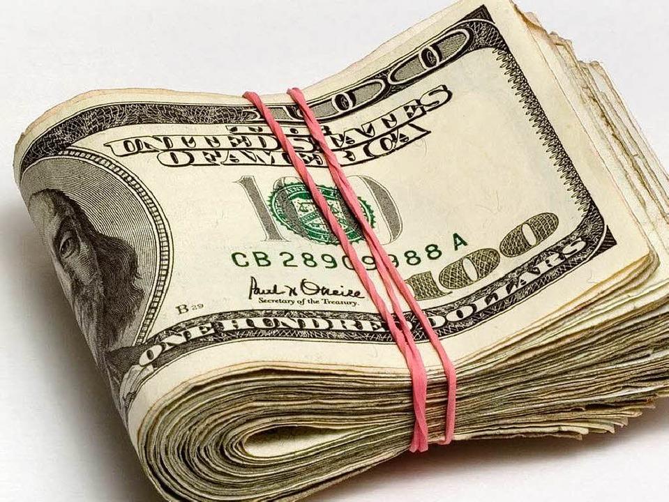 Die Kellnerin aus Springfield erhielt ...ielos ein dickes Bündel Dollarscheine.  | Foto: Fotolia.com/Dzianis Kazlouski