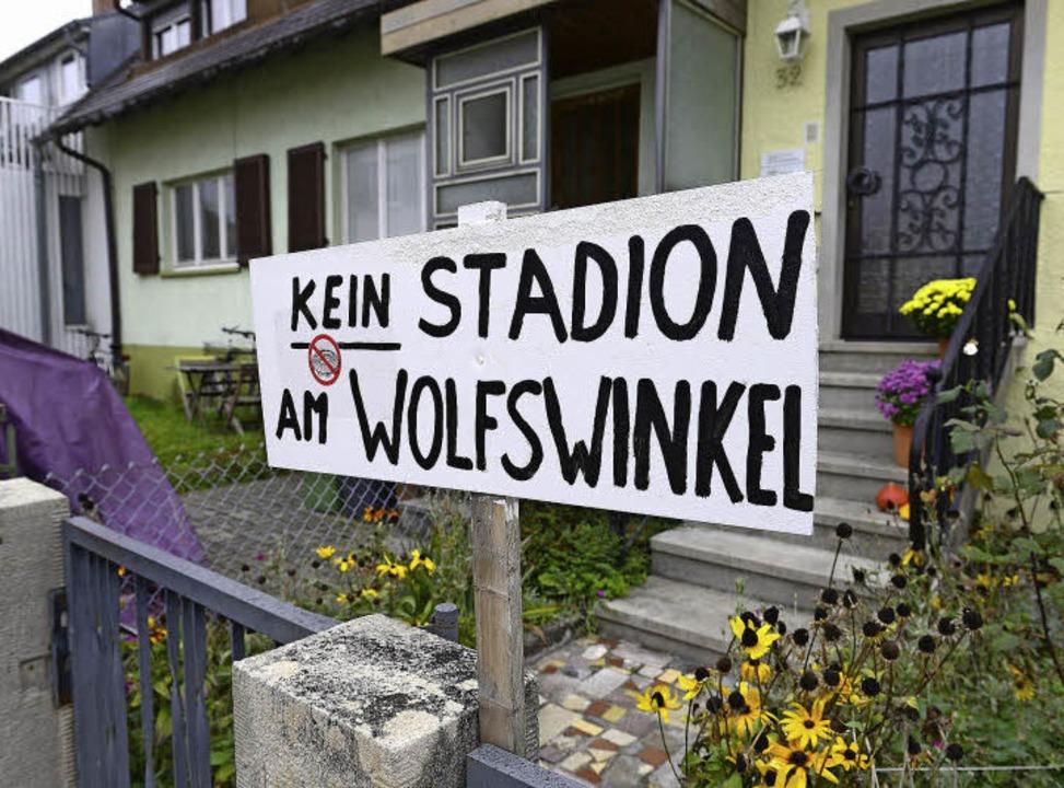 Die Botschaft ist eindeutig: Viele Moo...einen Bundesligafußball in Laufweite.   | Foto: i. Schneider