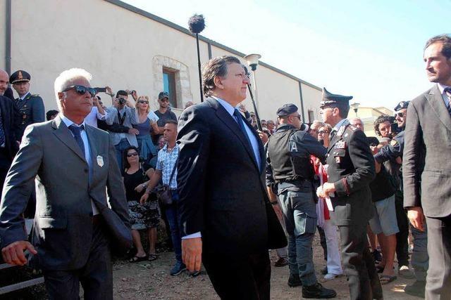 Lampedusas Bewohner beschimpfen Politiker als