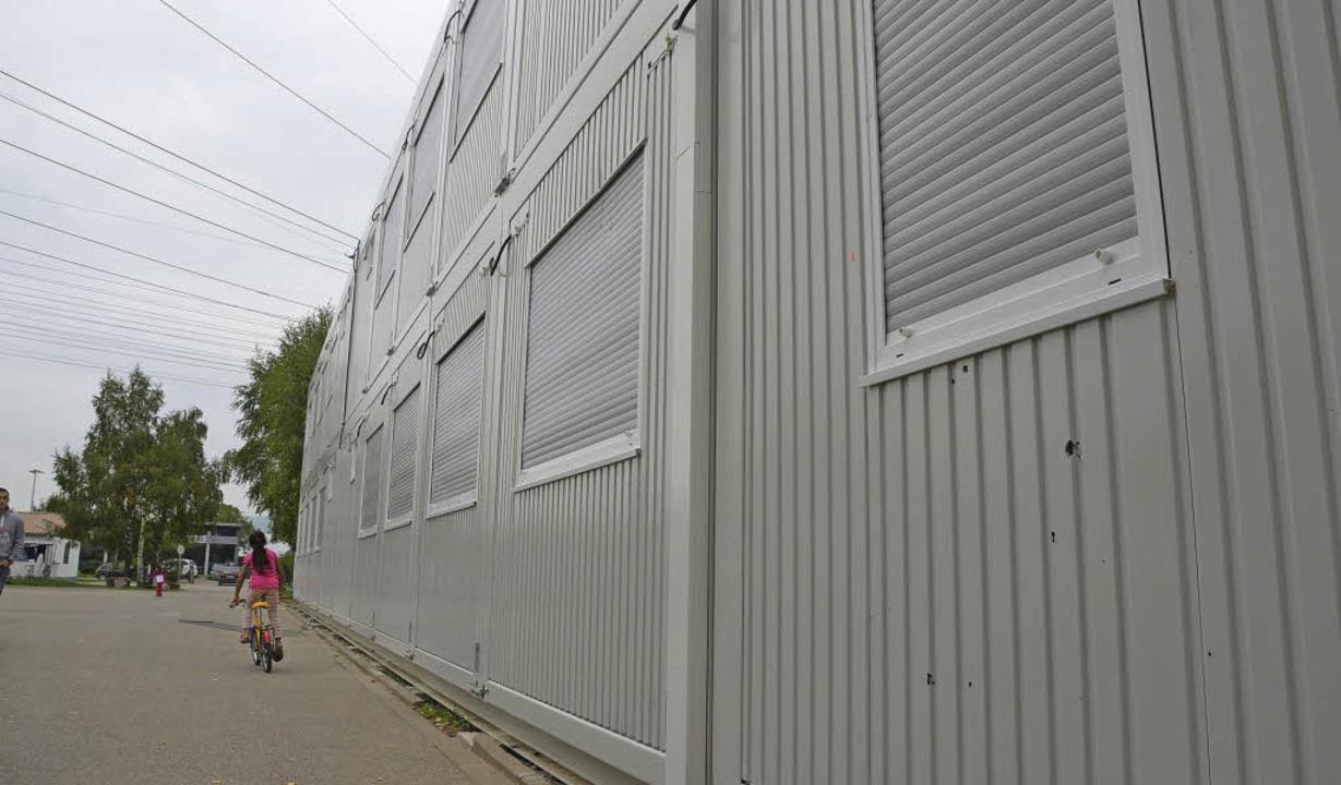 Schön sind sie nicht die neuen Wohncontainer für Asylbewerber, aber praktisch.   | Foto: Peter Gerigk