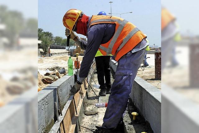 Gewerkschafter prangern miserable Arbeitsbedingungen in Katar an
