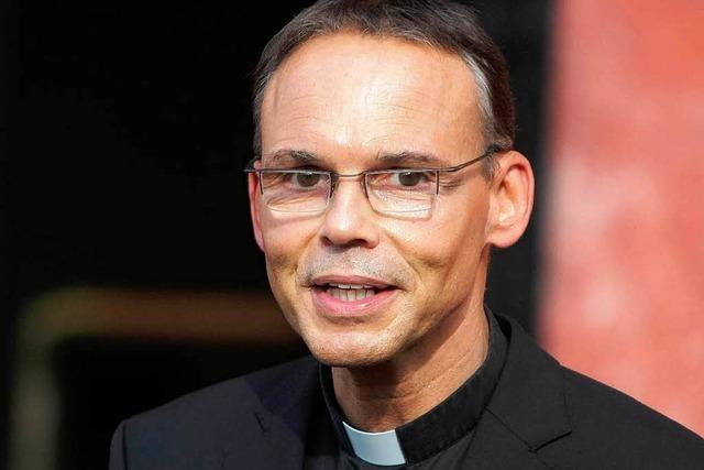 Limburger Bischof reist