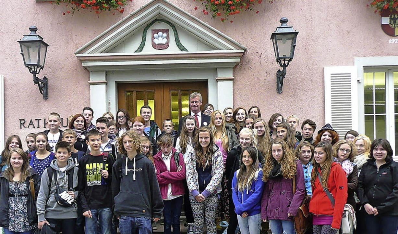 Breisacher Realschüler und ihre polnis... Bürgermeister Oliver Rein empfangen.   | Foto: privat