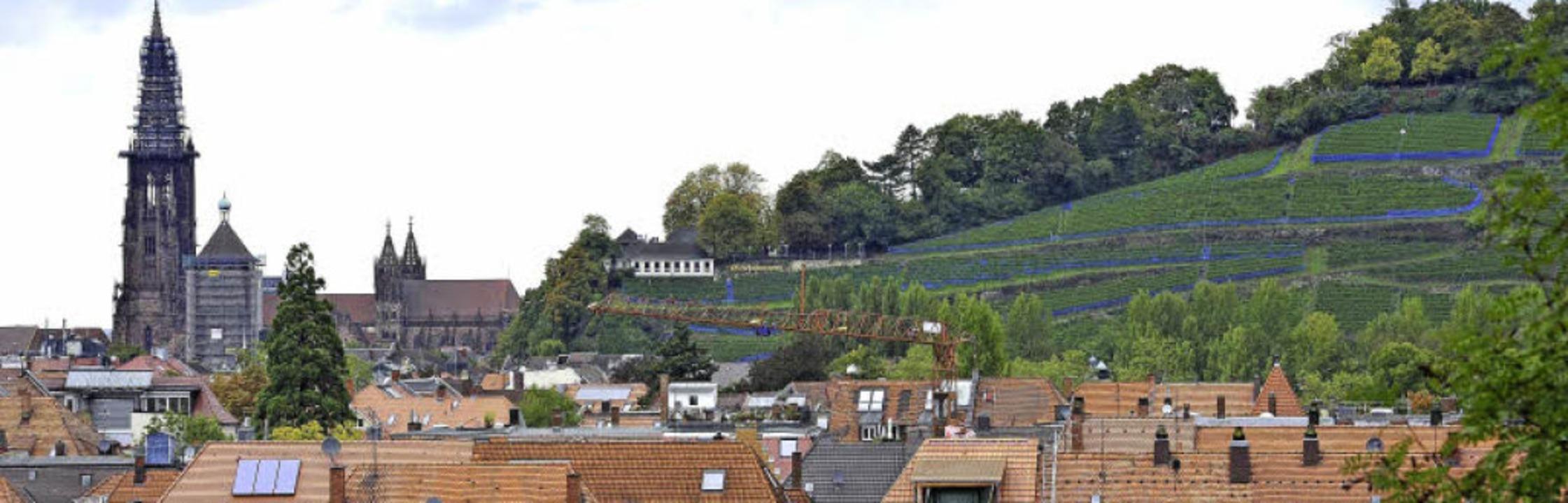 Heute sieht die Stadtsilhouette mit Münsterturm so aus.   | Foto: Thomas Kunz