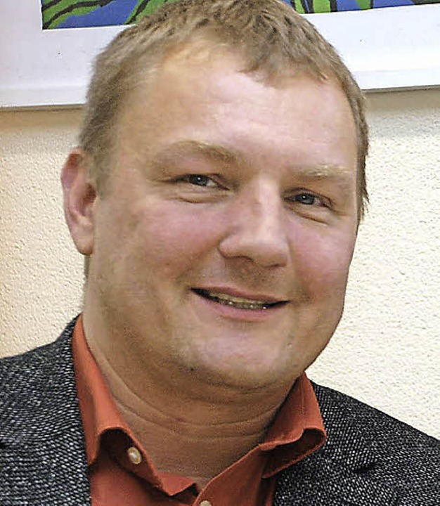 Schulleiter Mathias Wanjek legte dem Schulausschuss das Konzept vor.   | Foto: Siefke