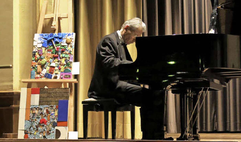 Siegfried Udrasala spielt Sonaten von Scarlatti  | Foto: Georg Voß