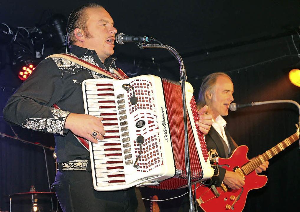 Stefan Hiss und Band sorgten im Offenb...iK wieder einmal für ein volles Haus.   | Foto: PEter Heck