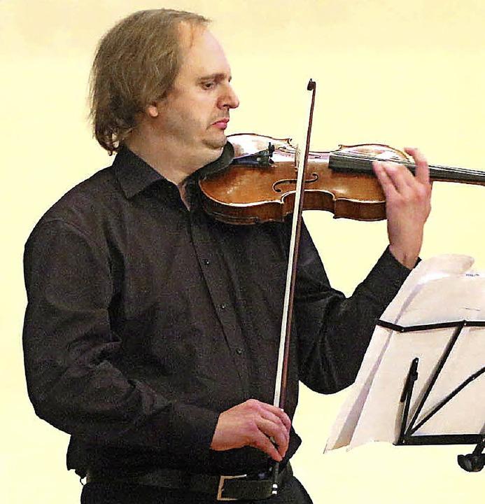 Friedemann Treiber war Komponist und I...tzt von  Rade Mijatovic am Akkordeon.   | Foto: Peter Heck