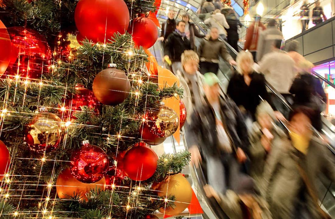 Zu Weihnachten hoffen die Händler auf klingende Kassen.     Foto: dpa