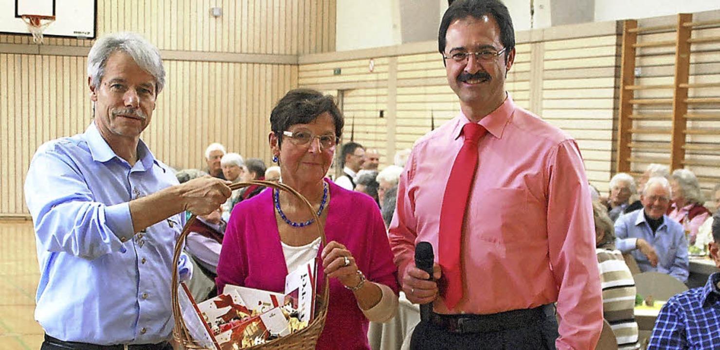 Vereint in der Freude über den gelunge...dlacz und Bürgermeister Martin Bühler.  | Foto: Edgar Steinfelder