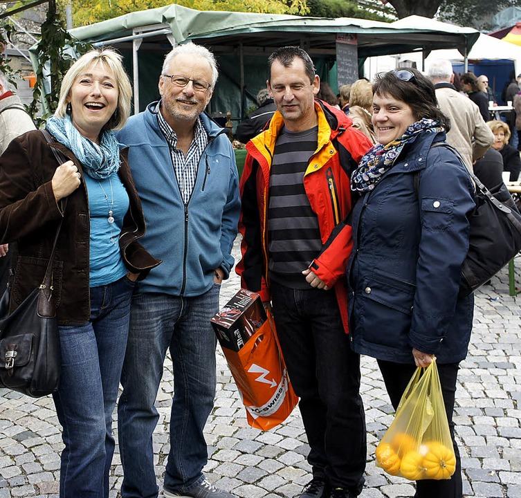 Viel Spaß hatten wie Marika und Wilfri...arktwochenende in beiden Laufenburg.      Foto: Reinhard Herbrig